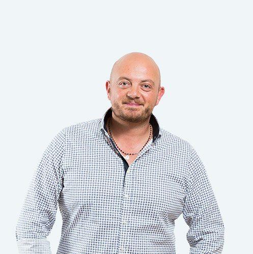 Fulvio Burini, tecnico ortopedico specializzato nella tecnica PBS per la cura dell'alluce valgo, plantari su misura e solette ortopediche. Riferimento della cura dell'alluce valgo