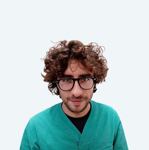 Podologo Stefano Tatano, Podologo specializzato nella tecnica chirurgica PERCUTANEA. Referente per la tecnica PBS per la cura dell'alluce valgo, nella tecnica messa a punto dal dott. Andrea Bianchi