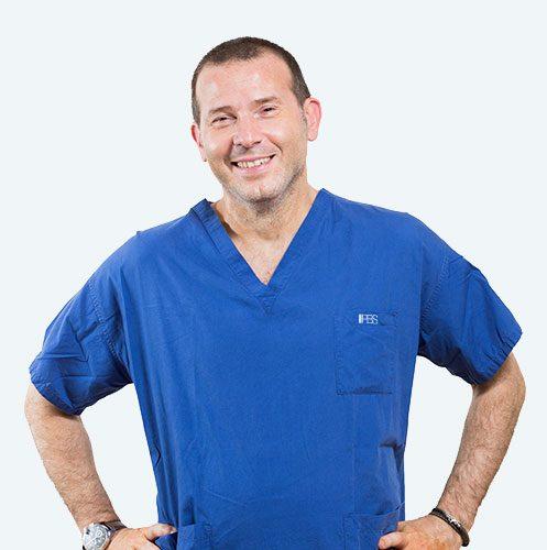 Dott. Alfio Azzarà, chirurgo specializzato nella tecnica PBS per la cura dell'alluce valgo.
